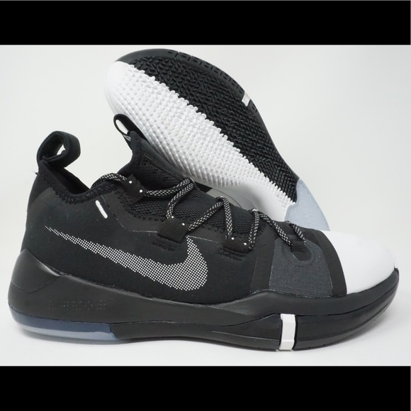new style 09db7 92a36 Nike Kobe AD Mens Basketball Shoe Black White Oreo